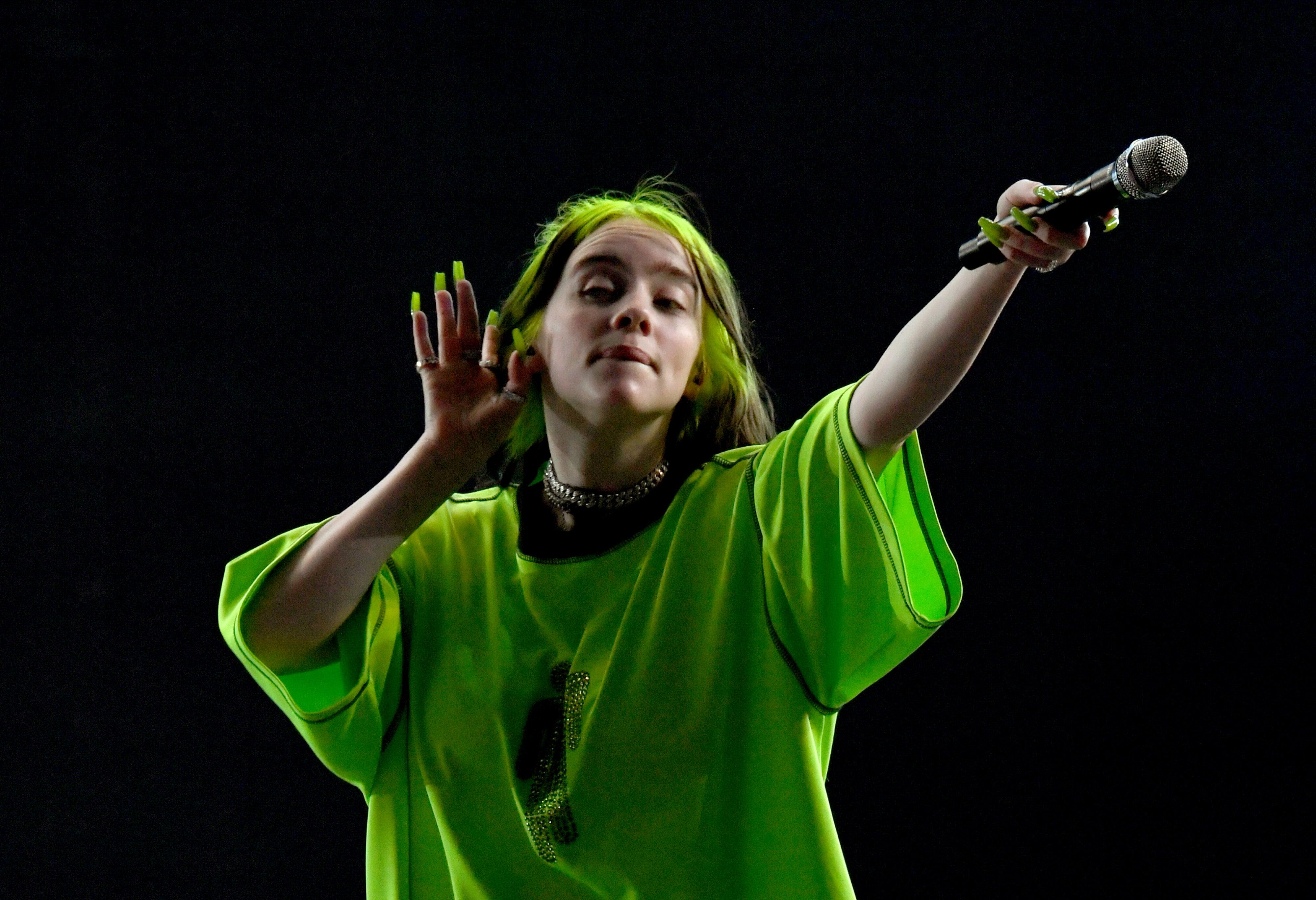 Ano De Chica Adolescente Desnuda billie eilish se desnuda durante un concierto para reflexionar sobre su  cuerpo