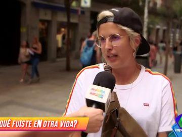 """Melo Moreno se cuela en Zapeando y no se da cuenta ni Perry: """"Me reencarnaría en Hitler"""""""