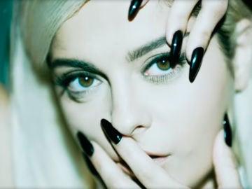 Bebe Rexha en 'Not 20 Anymore'