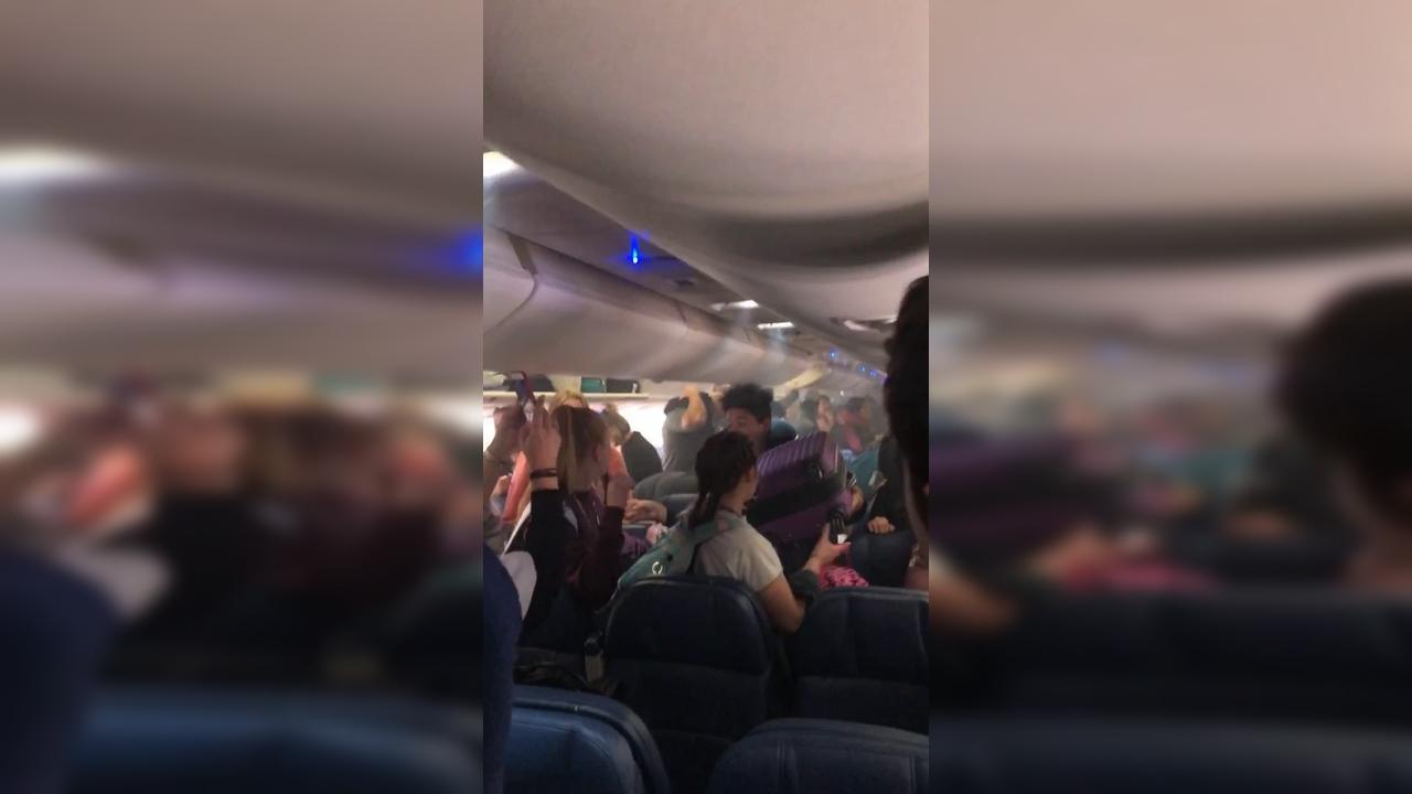 Evacúan un avión en Madrid