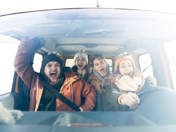 Estas chicas convierten su accidente de coche en un TikTok muy LOL