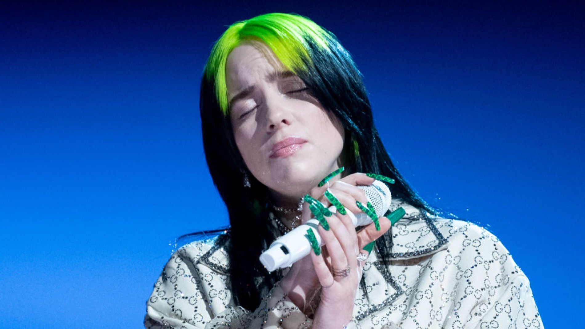 Billie Eilish en una de sus últimas actuaciones