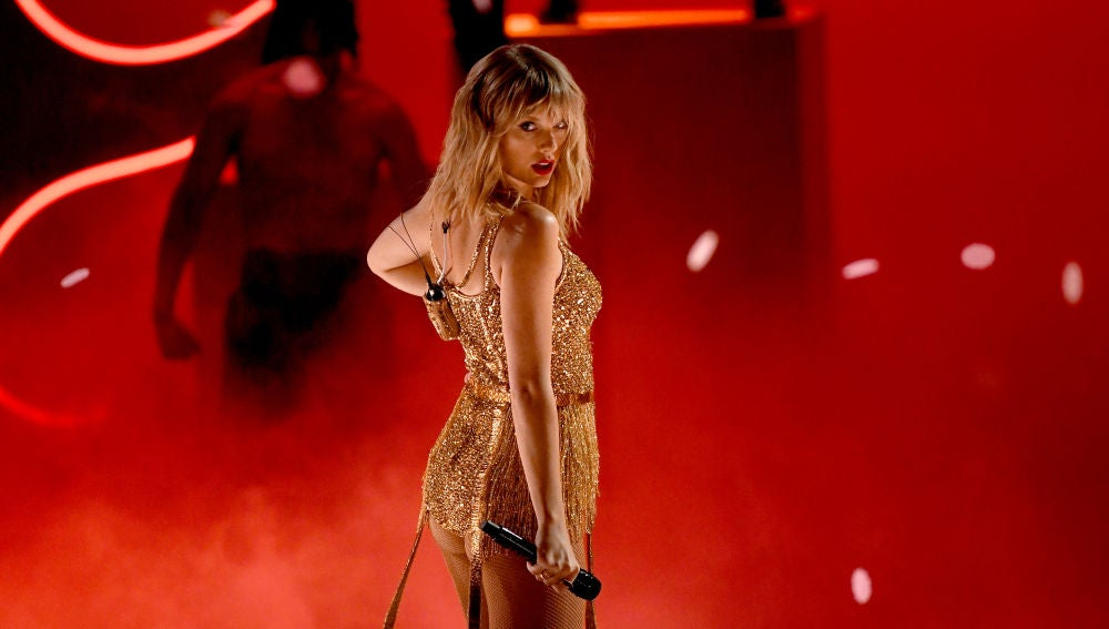 Taylor Swift durante los American Music Awards 2019