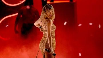 Taylor Swift durante los American Music Awards 2019
