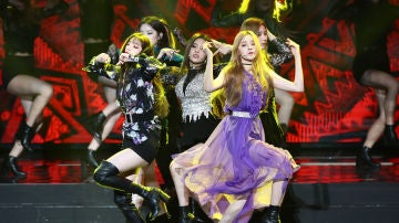 G-Idle durante los Gaon Chart K-Pop Awards