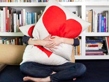 Tiktokers recuerdan a sus seres queridos con una emotiva tendencia.