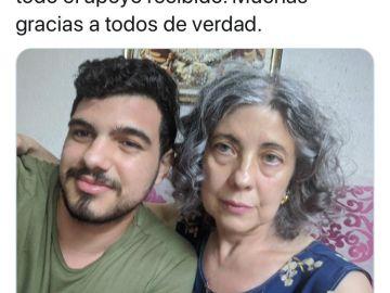 Jesús y su madre Isabel, popularmente conocida como una de  'las vecinas de Valencia'