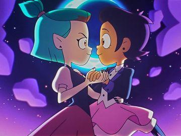 Amity y Luz Noceda bailando