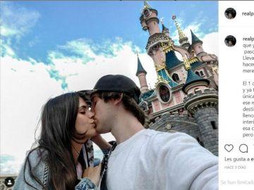 Porta y su chica en Disneyland