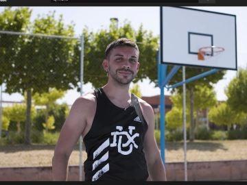 También es un hacha en el basket.