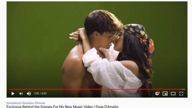 Dixie D'Amelio y Noah Beck se besan en el videoclip de 'Be Happy Remix'