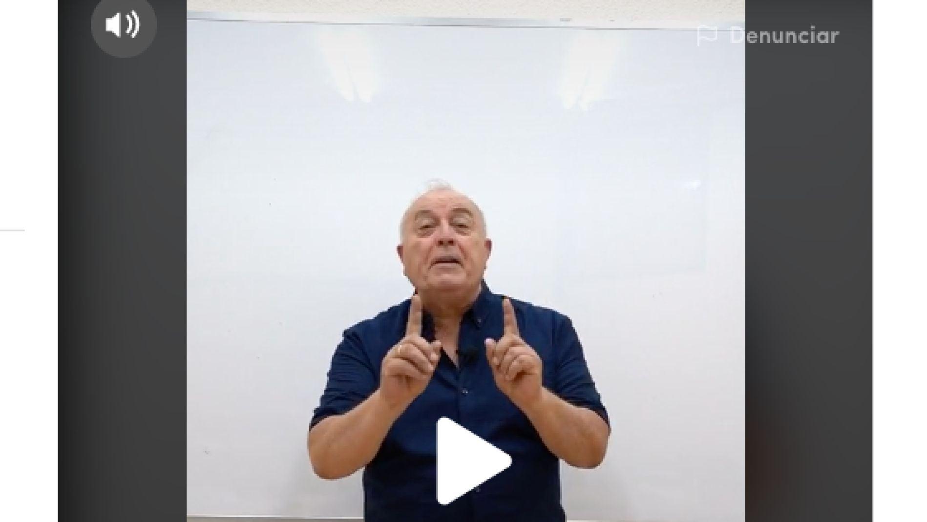 Carlos Maxi en su canal de TikTok