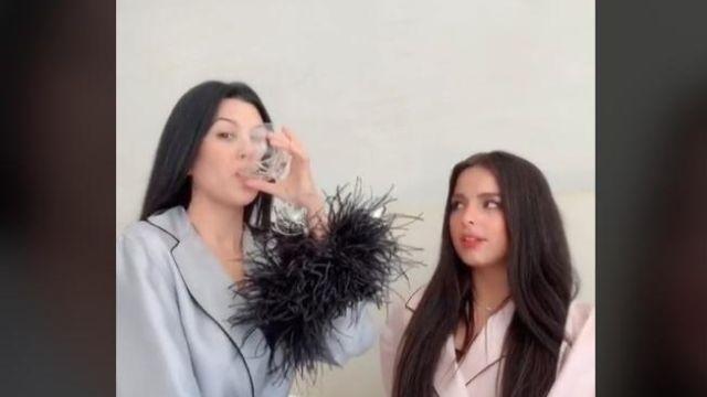 Kourtney Kardashian y Addison Rae
