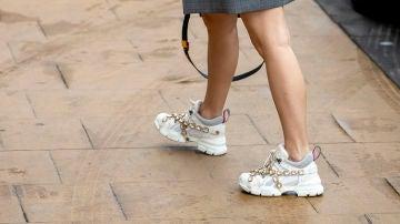 Blanca Suárez con zapatillas de Gucci