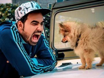 Gaurav y su perro Dólar