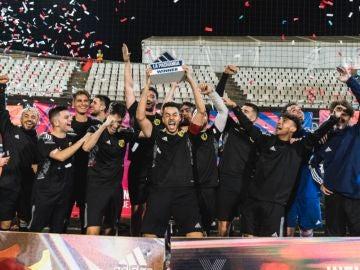El equipo Andorra celebra su victoria en 'La Pachanga'