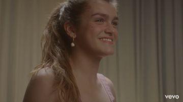 Amaia en el vídeoclip de 'Nadie podría hacerlo mejor'