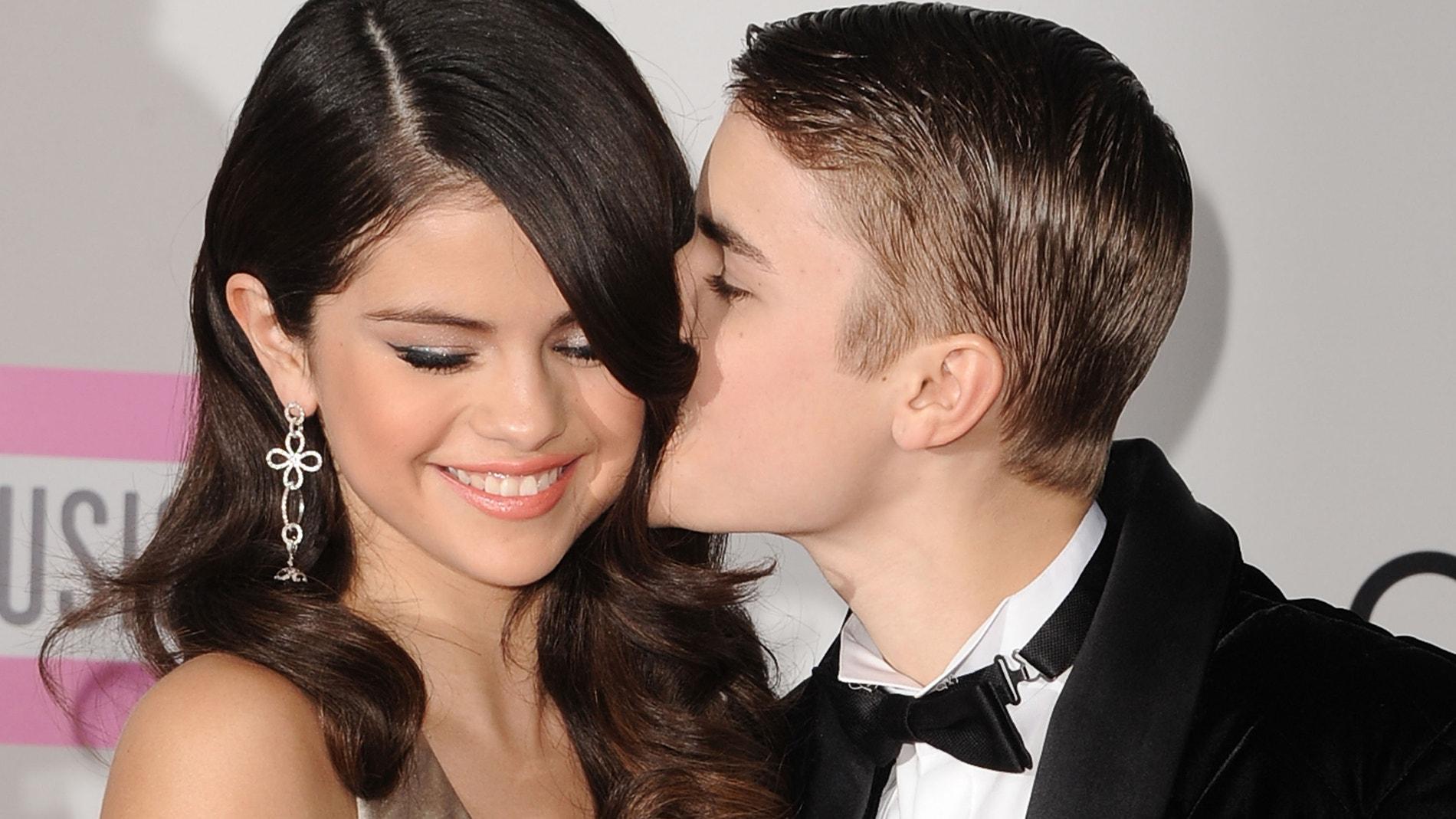 Selena Gomez y Justin Bieber en 2011, cuando salían juntos