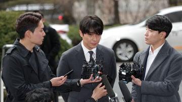 Choi Jong-hoon, declarando ante los medios