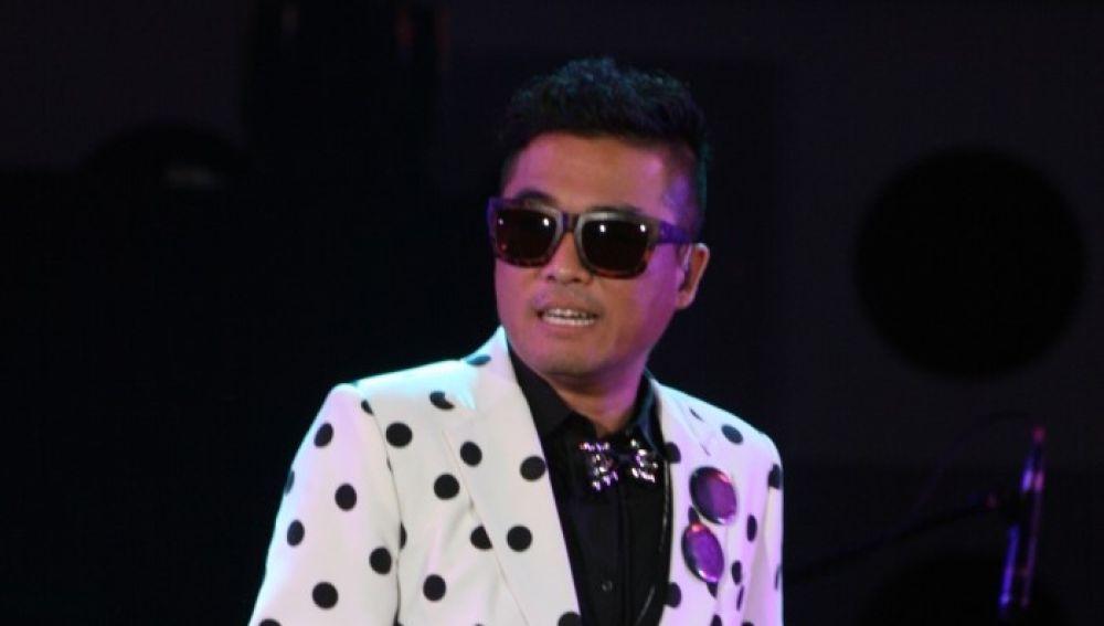Kim Gun Mo actuando en la Expo 2012 Yeosu Korea