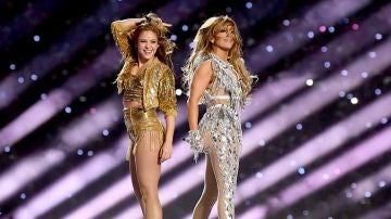 Shakira y Jennnifer Lopez durante la Super Bowl