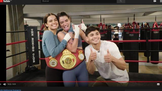 De izquierda a derecha, Addison Rae, Dixie D'Amelio y Ryan García