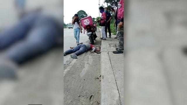 Un hombre finge su muerte para pedirle a su novia que se case con él