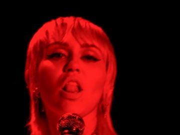 Miley Cyrus sí cree en los extraterrestres