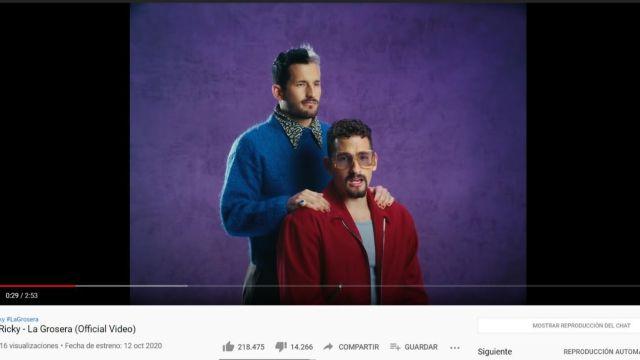 Mau y Ricky en el videoclip de 'La Grosera'