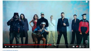Bad Bunny en el videoclip de 'Yo visto así'