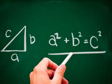 Un profesor universitario pide ayuda a las redes para resolver un problema de matemáticas de su hijo de 7 años