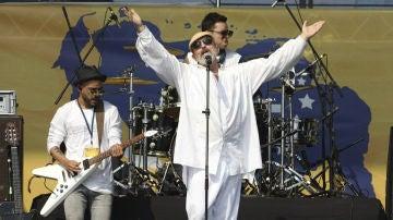 Miguel Bosé, en uno de sus últimos conciertos